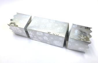 Silver Snowflake Giant sized Twist End Cracker - Twist-Lock Gift Packaging Cracker Carton Gift Carton Ideal for the festive season