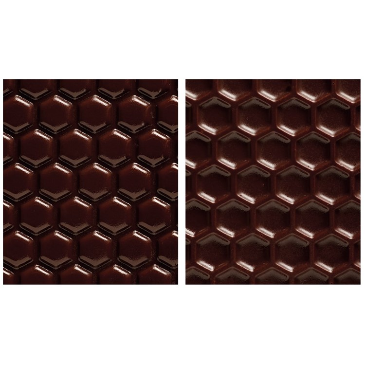 Texture sheets are a great innovation that enable you to create a textured finish on your chocolates! They can be used in the same way as conventional transfer sheets