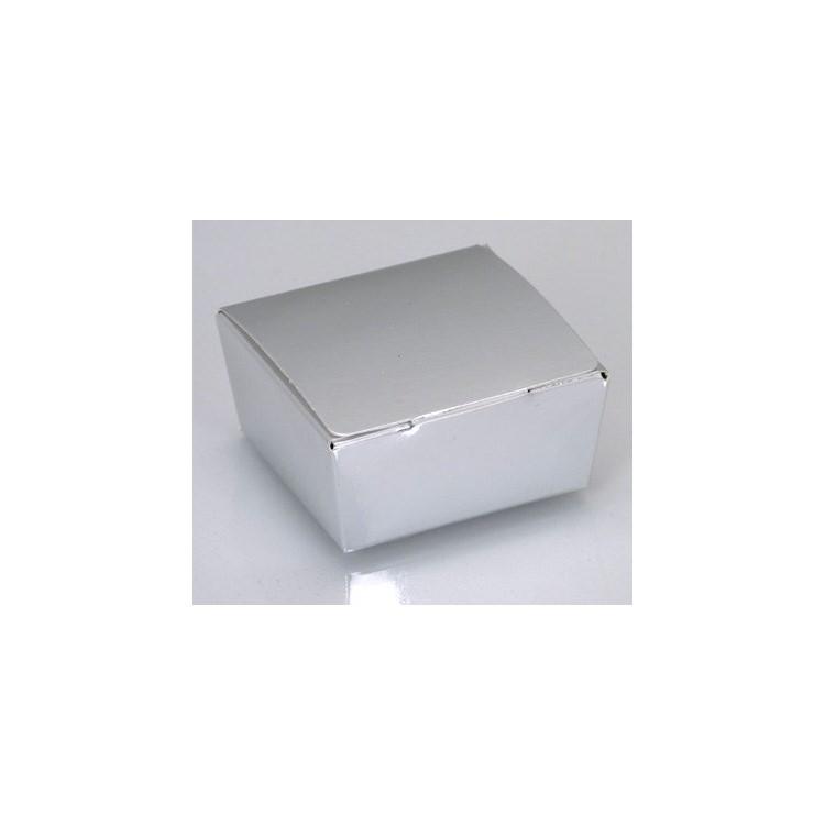 Shiny silver four-choc ballotins