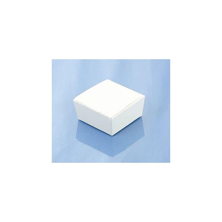 Gloss white four-choc ballotins